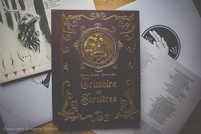 Grimoire-de-sorcières-1