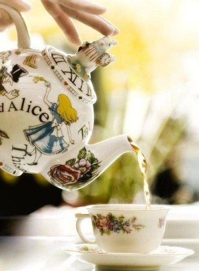 L'heure du thé façon Alice in Wonderland...
