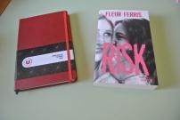 Un beau carnet qui ma me servir pour mon projet roman, et Risk que je voulais lire !