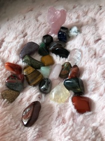 Le contenu avec la pierre surprise